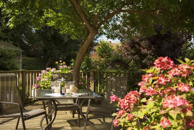 Yorke Lodge Bed and Breakfast Canterbury Kent outdoor dining