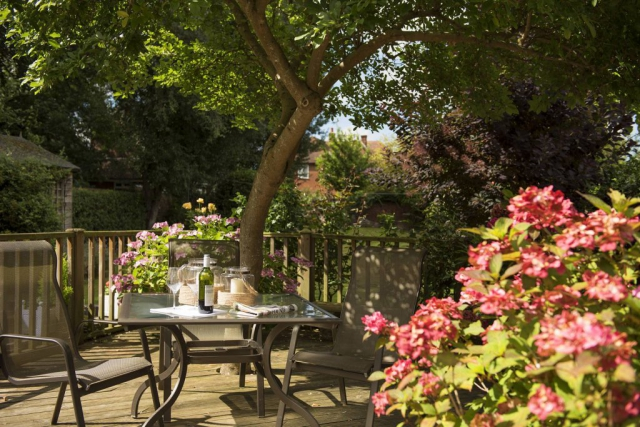 Yorke Lodge B&B Canterbury Kent outdoor dining