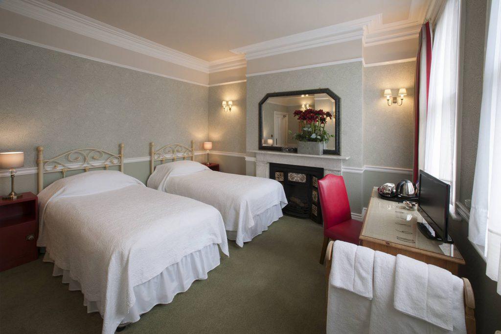 Yorke Lodge Bed and Breakfast Canterbury Kent twin bedroom