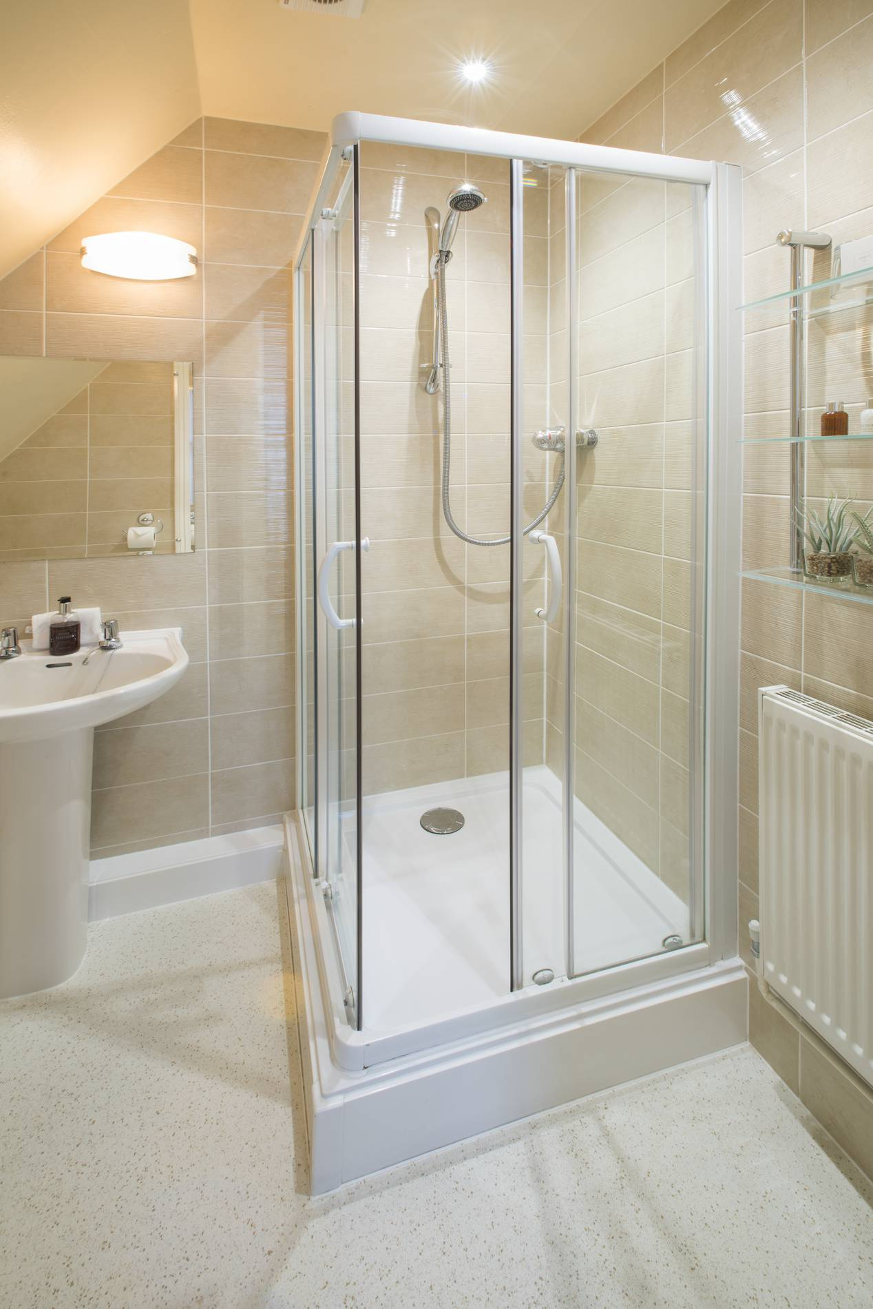 Yorke Lodge Bed and Breakfast Canterbury Kent shower